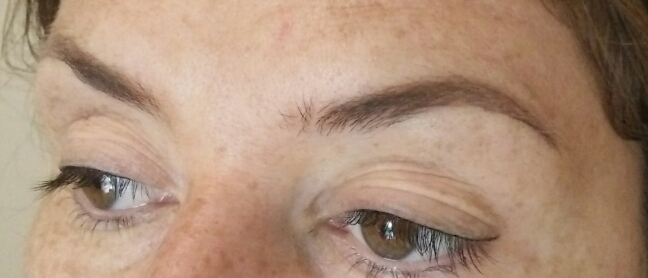 Minimal eyebrow